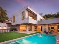 Exceptional new construction Architectural boasts
