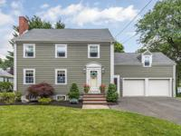 An absolutely beautiful Colonial home in Upham Park!!
