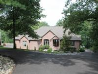 Custom Built Exquisite waterfront on Lake Barkley!