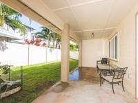 4 bedroom home in Latitudes! Tiled flooring on main