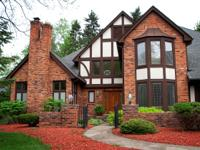 Magnificent Bloomfield Tudor in a very convenient