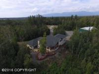 Pilots dream, beautiful home with a private 1200' FAA