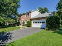 Beautiful Colonial,backing to woods,with rental/in-law