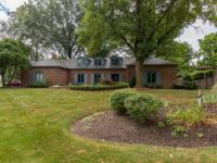 BEAUTIFUL HOME ON 1 ACRE IN THE HEART OF MERIDIAN