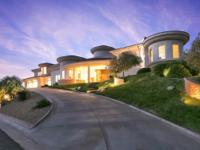 Stunning contemporary home in Exclusive Los Hermanos