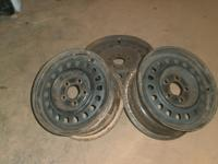 "4 13"" rims and 4 13"" hub caps for a 1990 buick"