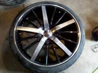 Descripción Selling 4 rims with good tires. Two 17 in