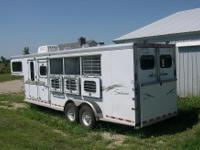 "2001 Sundowner 4 Horse ""Value Lite"" Series Gooseneck"