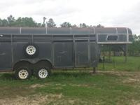 1990 4 Horse, Gooseneck, straight load trailer. Supreme