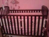 Crib barely used, daughter rather sleep with me or in