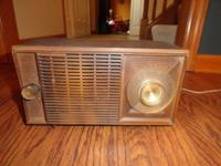 Non-bakelite General Electric brown radio works and