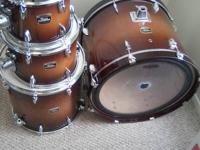 Great condition 4 pc Yamaha Tour Custom drum set for