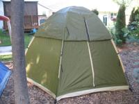 AVID Outdoor 4 person camping tent. Hexagon shape-- 9'