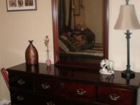 Beautiful 4 piece suite consists of queen head board,