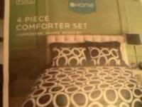 brand new its a full set has 1 comforter 2 shams and