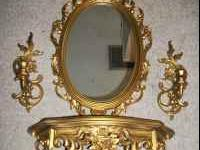 Im selling a victorian mirror set. Im asking $50 or