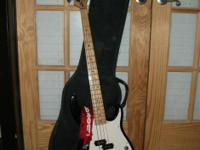 Description 4 string Peavey bass guitar. Great