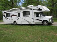 2008 30 foot Ford Chateau   Low miles
