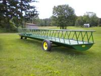 Brand New 4' x 24' Slant Bar Self Feeder Wagon on 4