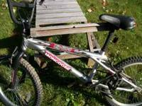 TEEN RACEING BIKE FOR SALE................$40 OR BEST