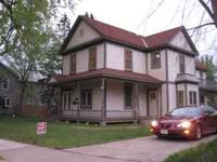 Small 1 bedroom upper, East Side Wausau, just off Grand