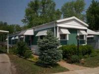 GREAT STARTER HOME!!! 1976 Pendleton 14x68 2 bedroom 2