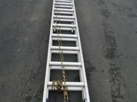 40 ft. Aluminum Extension Ladder D1340-2 Craftmaster,