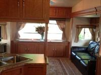 2012 40ft Monte CArlo 3 electric slide outs Very