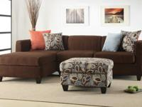 Simplistic and modern crafted living room furnishings