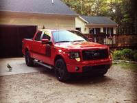 Fully loaded F150 FX 4 / FULLY LOADED. One owner, non