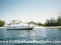 2000, 30' CRUISERS 3075 Express Motor Yacht in