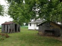 Hunting/fishing cabin in rend lake. close to the