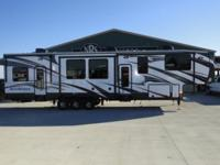 Stock #: 94282 Year: 2015 Brand: Heartland RV Model: