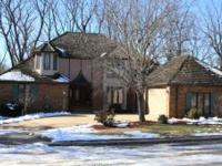ELEGANT EXECUTIVE HOME IN RAVENWOOD SOUTH......CLOSE TO
