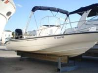 2005 Boston Whaler 22 DAUNTLESS Don't miss out on this