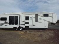 2009 Forest River Cardinal 34.5RL 5th WheelLots of
