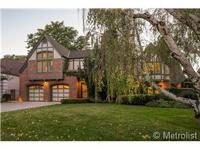 An unique 1936 Tudor with high ceilings and a