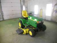 445 John Deere garden tractor / mower that has Only 430