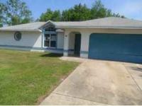 3/2 Home in Silver Springs Shores. Home was built in