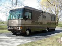 2004 Safari Trek 31 Ft Class A Motorhome, M-30PBS,