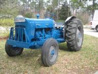 Ford 2000 Super Dexta Tractor. 45 HP Perkins Diesel. 2