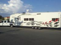2007 Weekend Warrior Luxury 45' fifth wheel toy hauler