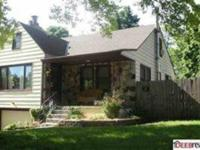 Charming 4 Bed 2 Bath home in a great neighborhood!