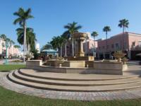 FABULOUS LOCATION! WALK TO MIZNER PARK & BOCA'S BEACHES