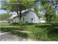 Sublet.com Listing ID 2319423. Residence has open feel.