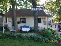 Come and relax at Bird Lake. Cozy cottage, steps from