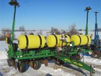 "John Deere 1750 6 Row 30"" Model 2013 Planter 30"""