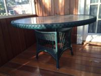 Type:FurnitureType:Porch TableWicker glass top table in