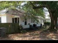 Beautifully updated single family house centrally
