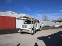 2001 International 4900 4x2 Bucket